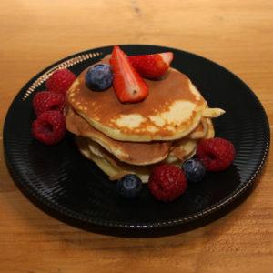 3 pancakes et leurs fruits de saison